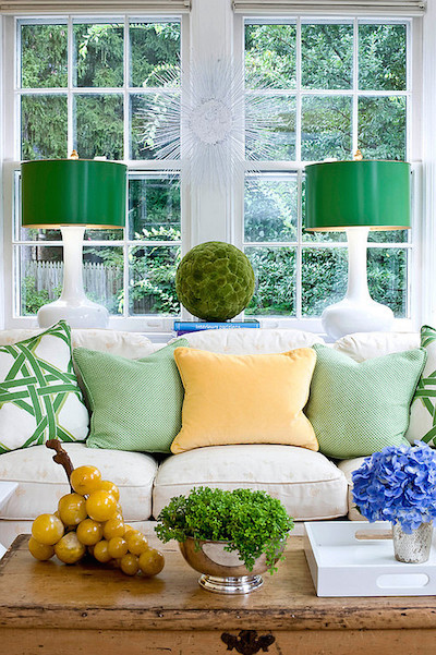 green-living-room-decor